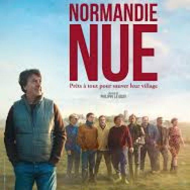 Normandie Nue (Frankreich 2017, 110 min., FSK 6) Deutscher Titel: Ein Dorf zieht blank
