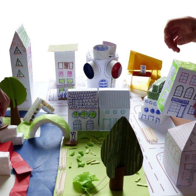 Kreatives Kinder-Atelier: Lasst uns zusammen eine Stadt bauen